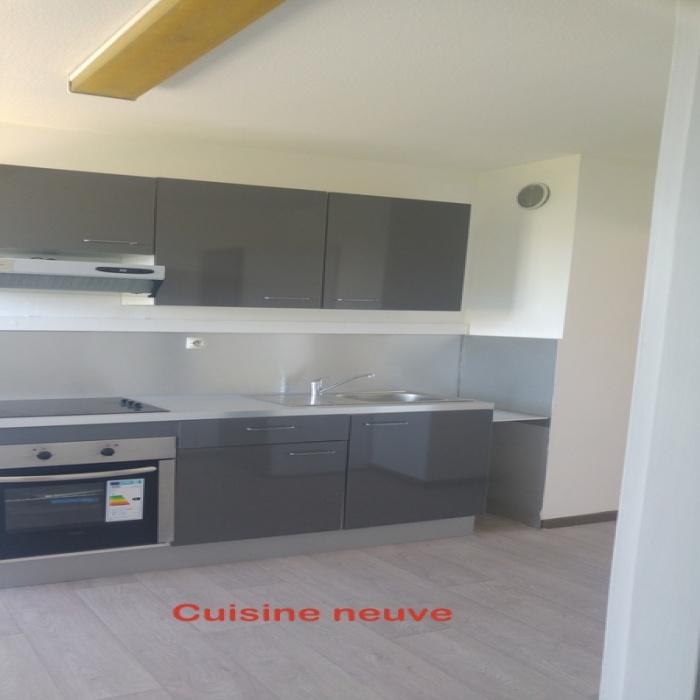 A Vendre Appartement T2 Avec Terrasse Et Place De Parking Privative
