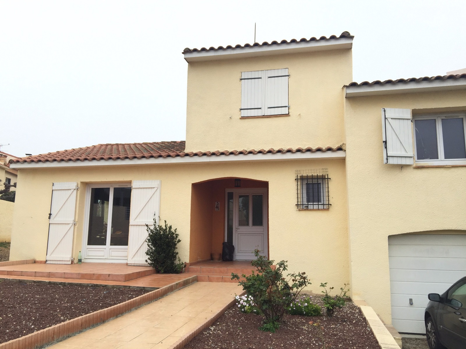 Vente villa 3 faces r 1 avec jardin et garage for Garage le corre ceret